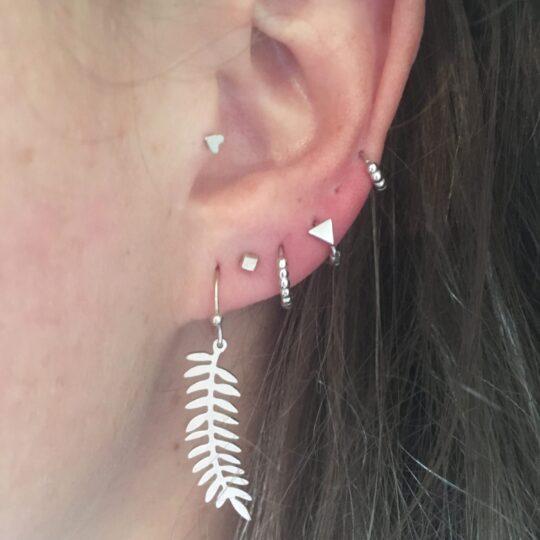 Leave zilver oorbellen