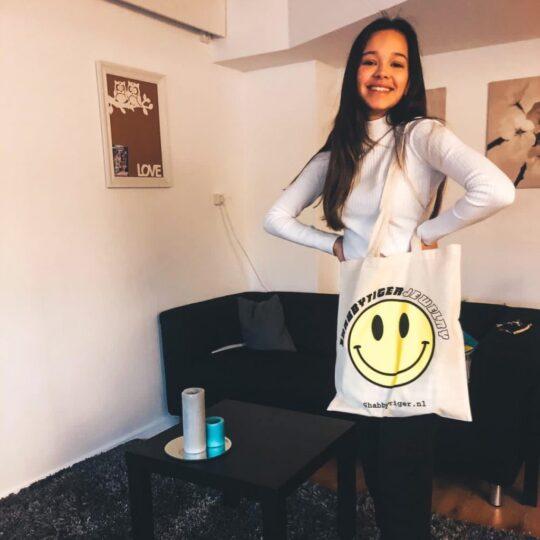 ROBIN DE HAAS MET DE SHABBY TIGER SMILEY BAG