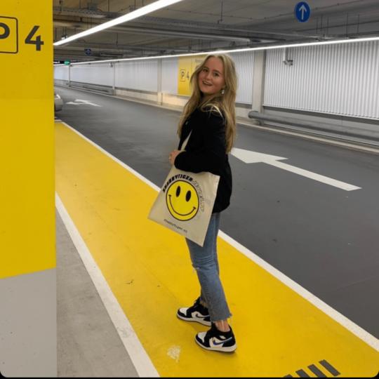 Anna Luca met de Shabby Tiger Smiley bag